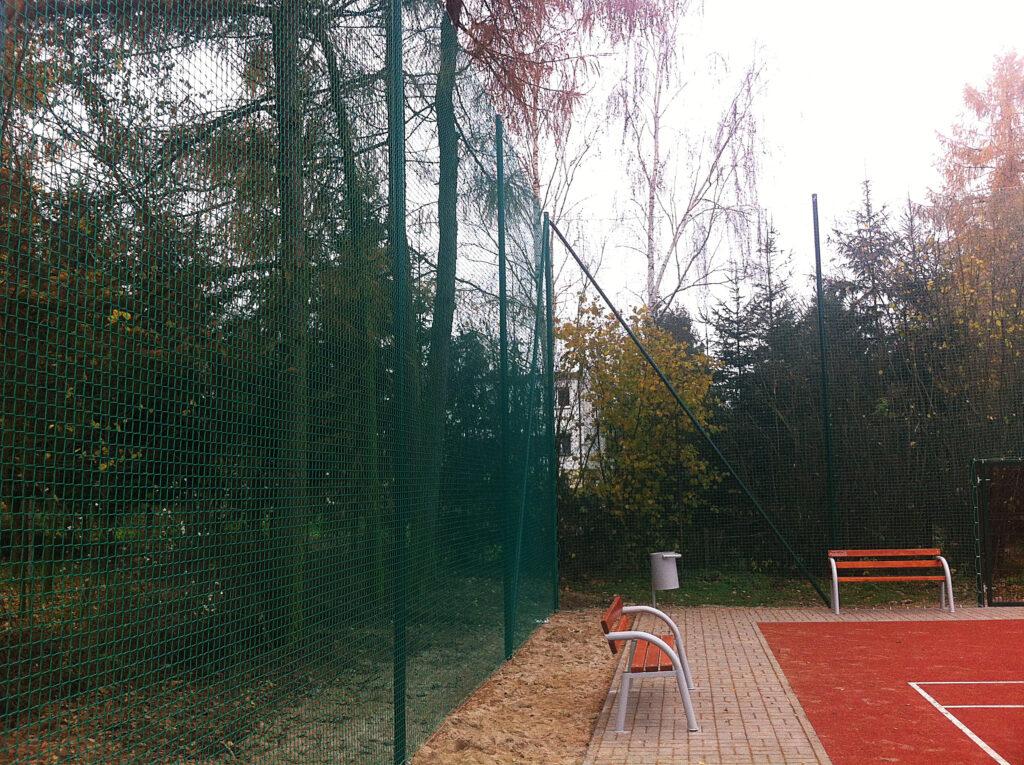 Piłkochwyty ogrodzenie kortu tenisowego