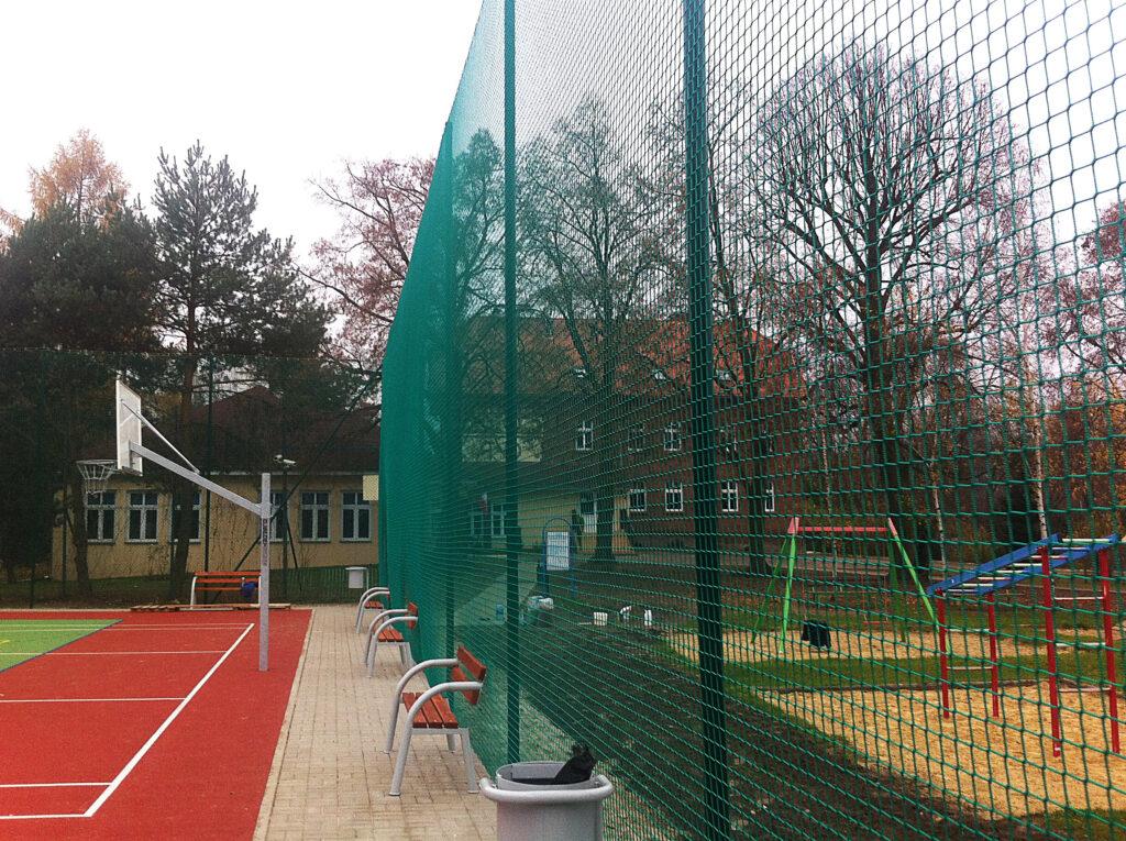 Piłkochwyty - ogrodzenie kortu tenisowego