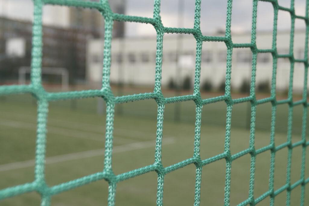 Zielone siatki na piłkochwyty